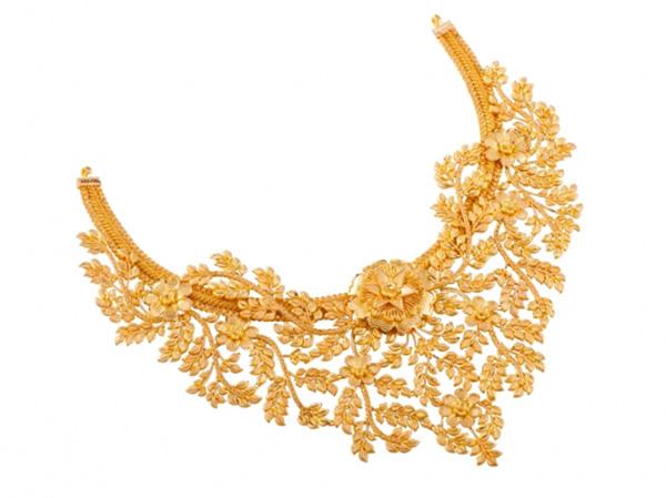 Flower Design Gold Necklace