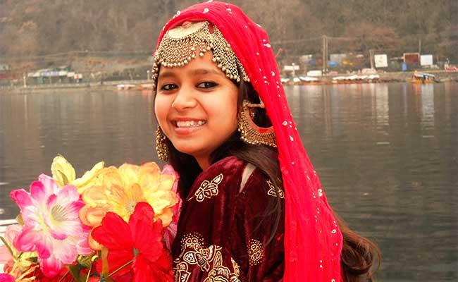 Atta-Hor - Kashmiri Gold Matha Patti