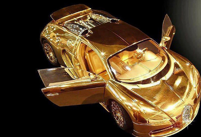 Bugatti Veyron Model Gold Car