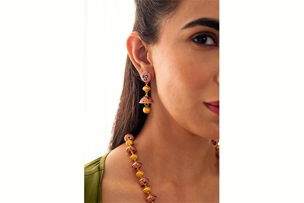 Gold Jhumki Earrings<br />