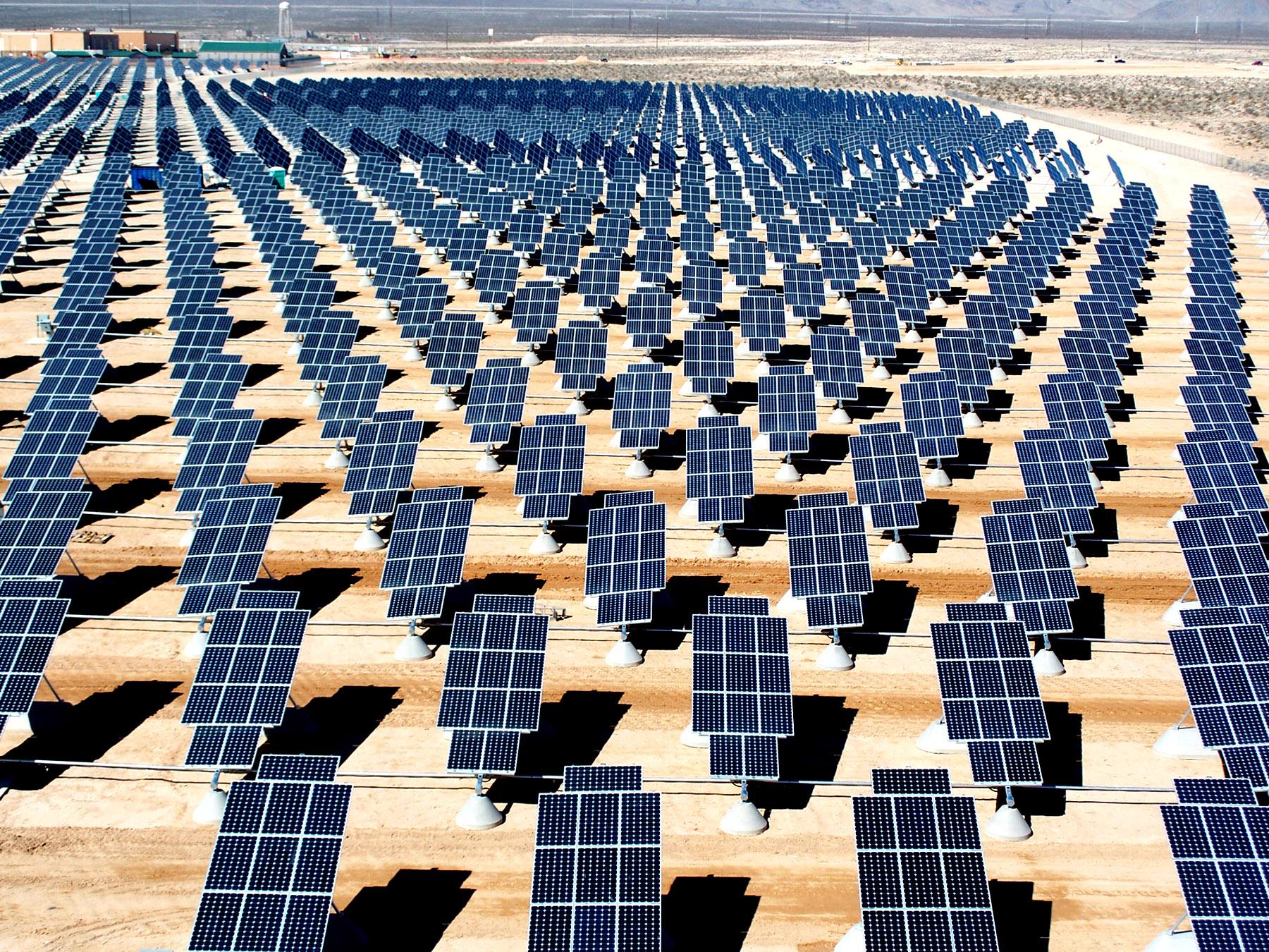 Giant Photovoltaic