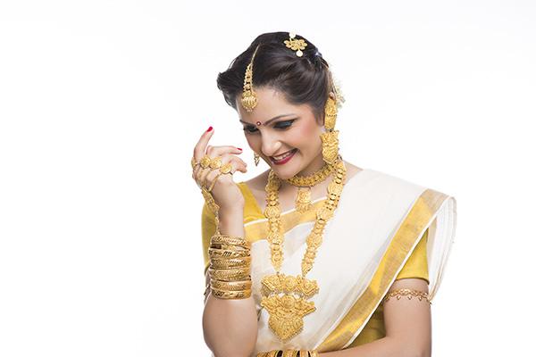 Stylish Wedding Gold Jewellery