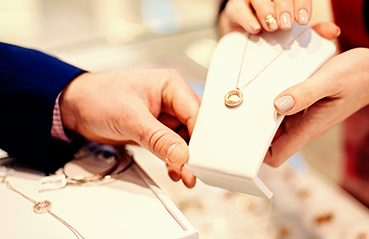 How to check hallmark on gold jewellery