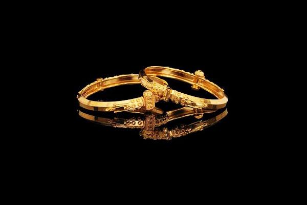 Karnataka's Mavinakayi Addigai Gold Necklace Design