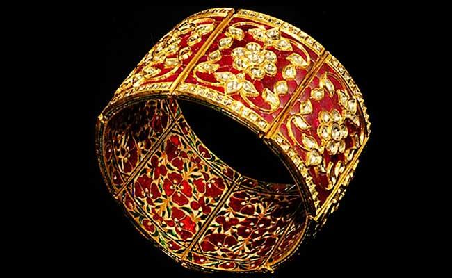 Traditional Meenakari Gold Bracelet Design