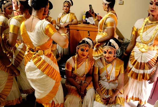 Keralite Women in Traditional Gold Jewellery