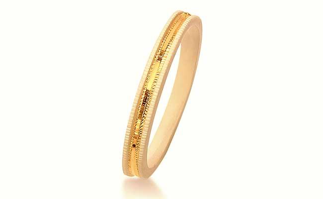 Bengali Gold Shakha Pola Design