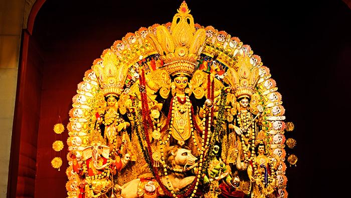 Gold – the shringar of gods