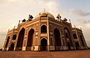The golden era of Mughals