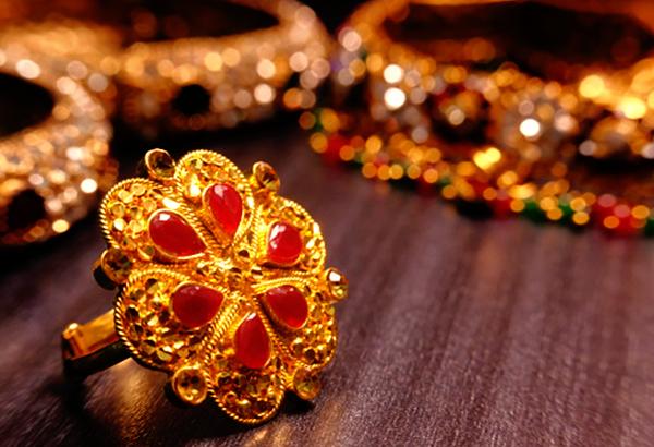 Evolution of gold Jadau jewellery