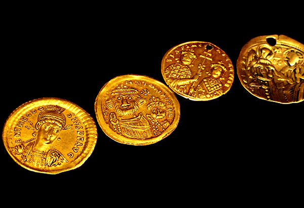History of ancient Roman gold jewellery and coins and its significance