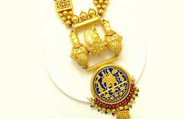 Thewa jewellery – the pride of Rajasthan