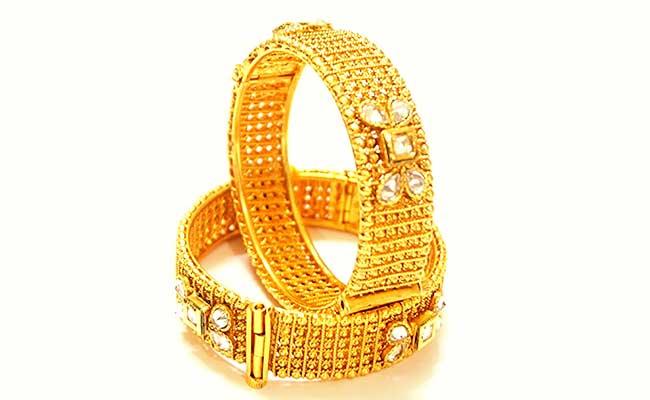 Gold Jadau Bracelet Meenkari design