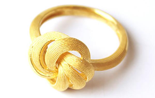Tangled Design Gold Ring